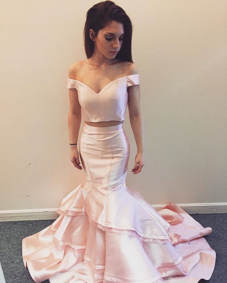Off Shoulder Mermaid Pageant Dress Two Piece Prom Dresses
